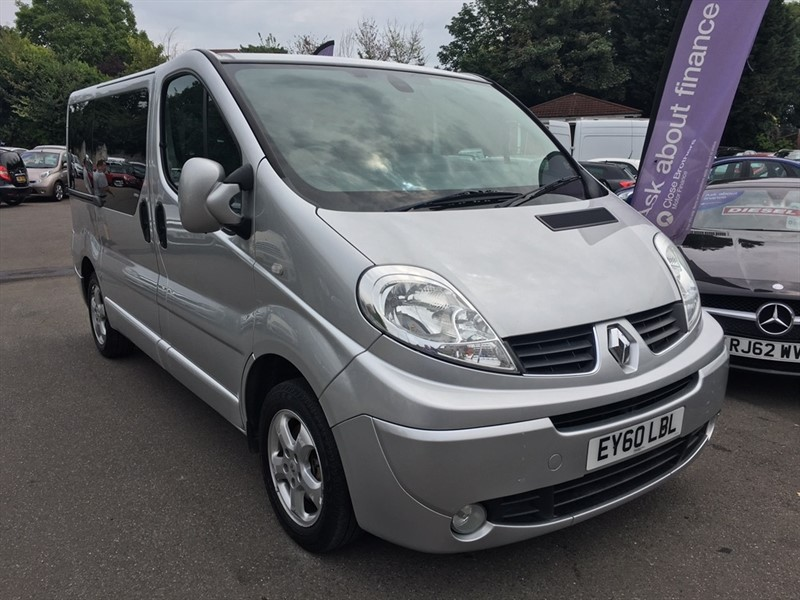 used Renault Trafic dCi SL27 Sport Phase 3 Mini Bus 4dr (Nav)(9 Seats) in rochester-kent