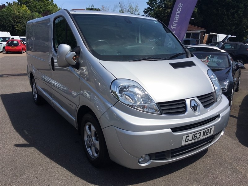 used Renault Trafic dCi SL27 Sport Low Roof Van 3dr (EU 5) in rochester-kent