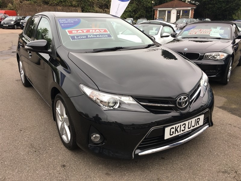 used Toyota Auris V-Matic Sport 5dr in rochester-kent