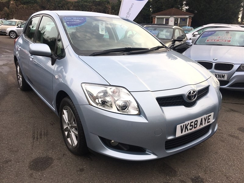 used Toyota Auris VVT-i TR 5dr in rochester-kent