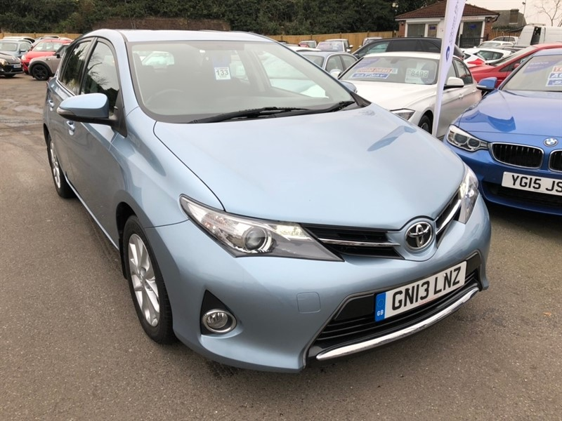 used Toyota Auris 1.33 VVT-i Icon (s/s) 5dr in rochester-kent