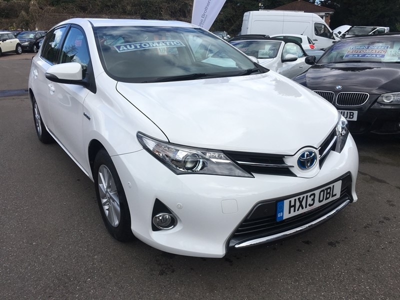 used Toyota Auris VVT-i Icon e-CVT HSD 5dr in rochester-kent