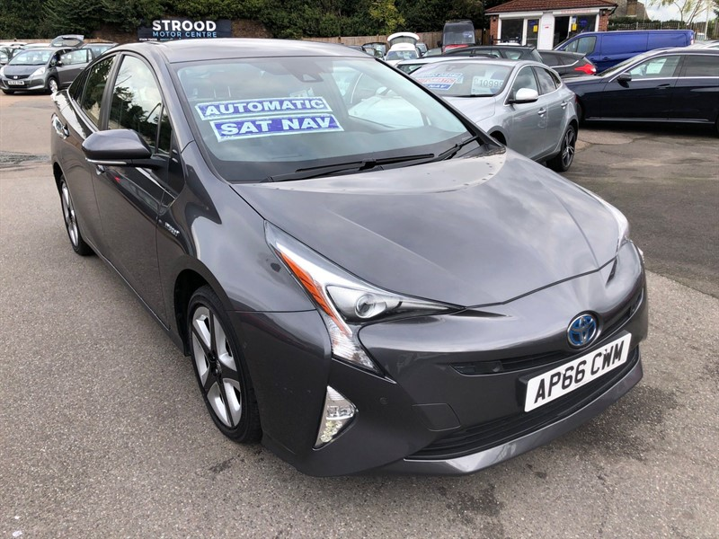 used Toyota Prius VVT-h Excel CVT (s/s) (15in Alloy) in rochester-kent