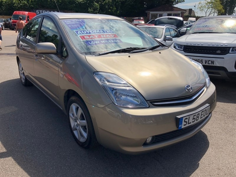 used Toyota Prius T Spirit CVT 5dr in rochester-kent