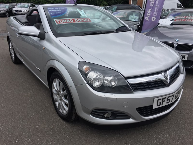 used Vauxhall Astra CDTi Sport Twin Top 2dr in rochester-kent