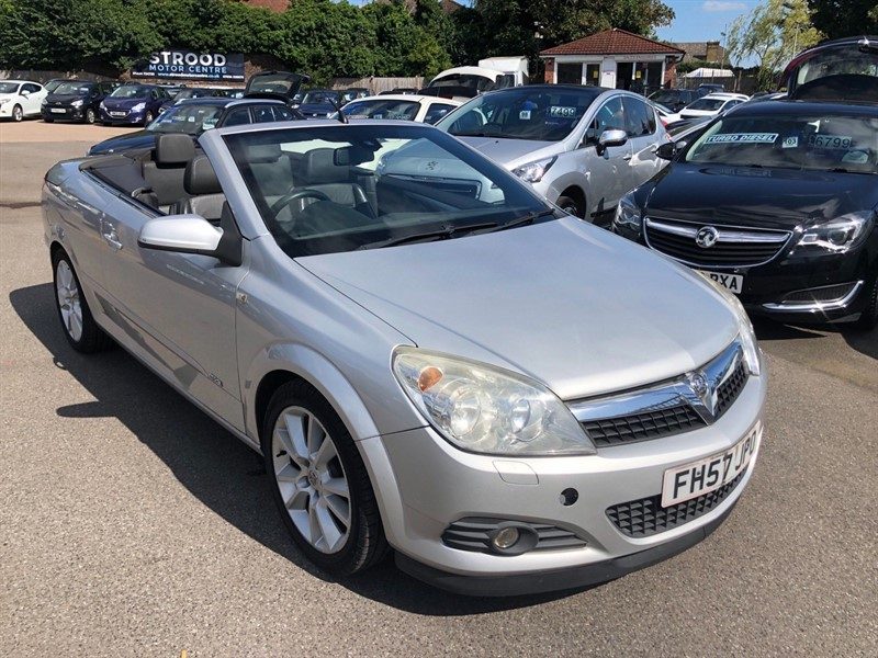 used Vauxhall Astra Design Twin Top in rochester-kent