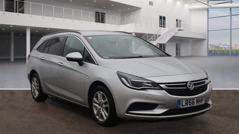 used Vauxhall Astra ecoFLEX Design Sports Tourer (s/s) in rochester-kent