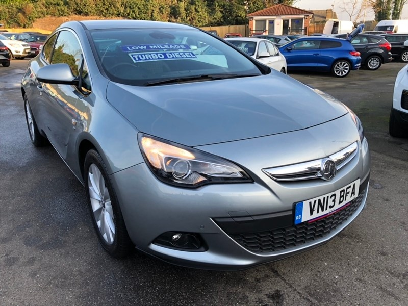 used Vauxhall Astra GTC CDTi 16v SRi (s/s) 3dr in rochester-kent