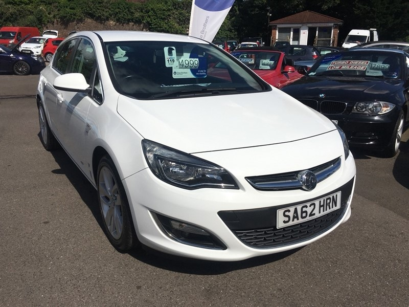 used Vauxhall Astra CDTi ecoFLEX 16v SRi (s/s) 5dr in rochester-kent