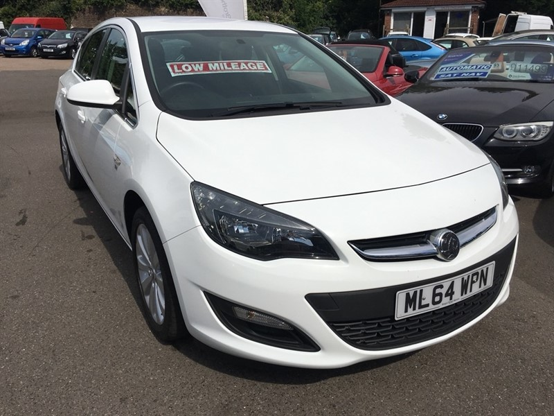 used Vauxhall Astra i VVT 16v Excite 5dr in rochester-kent