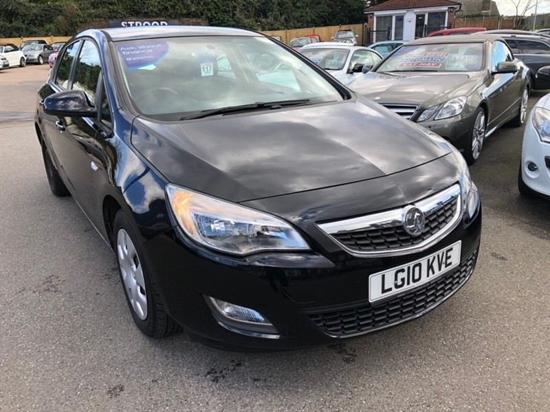 used Vauxhall Astra i VVT 16v Exclusiv 5dr in rochester-kent