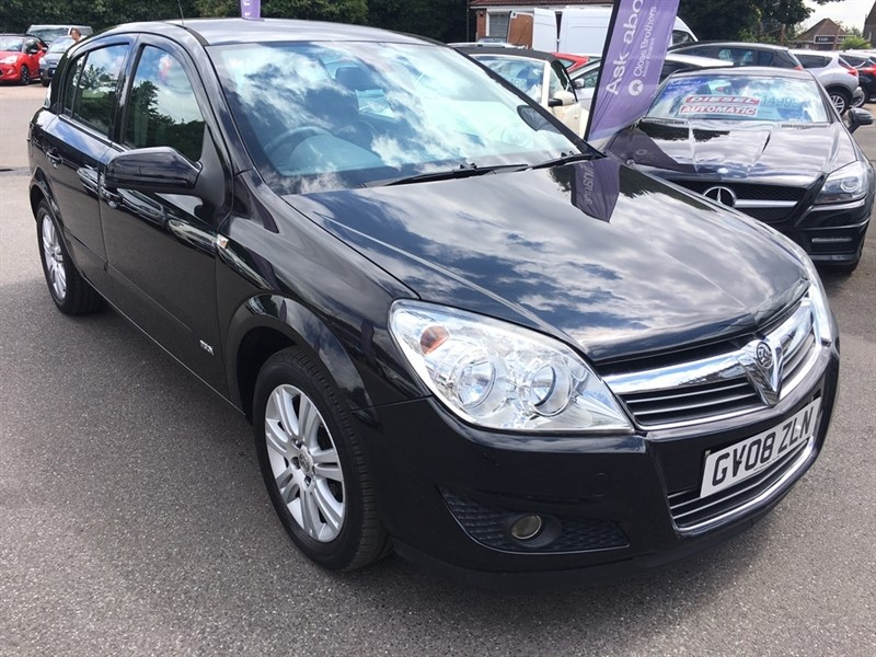 used Vauxhall Astra i 16v Design 5dr in rochester-kent