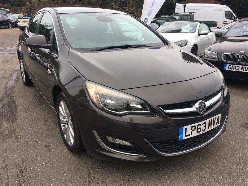 used Vauxhall Astra i VVT 16v Elite 5dr in rochester-kent