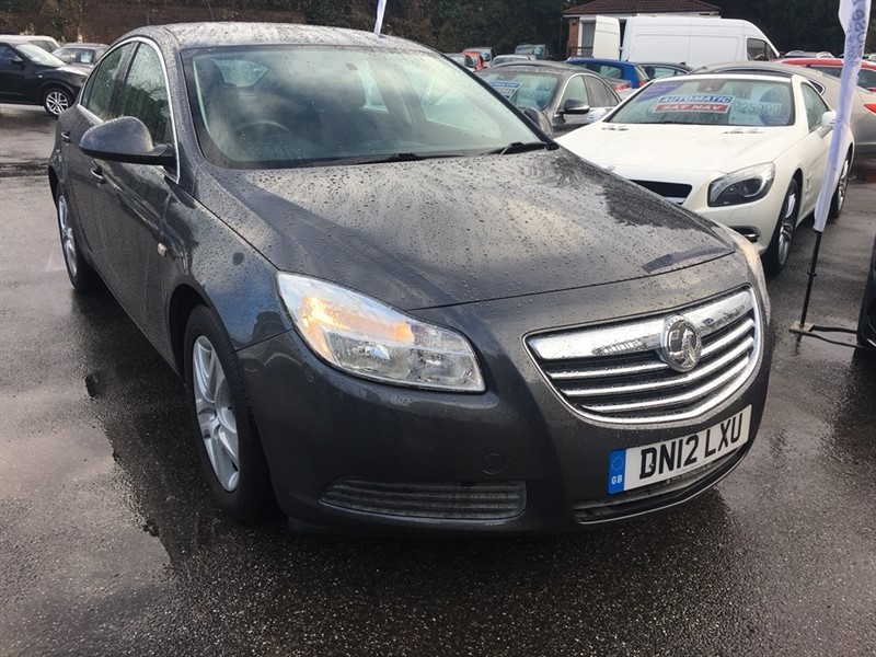 used Vauxhall Insignia i VVT 16v Exclusiv 5dr in rochester-kent