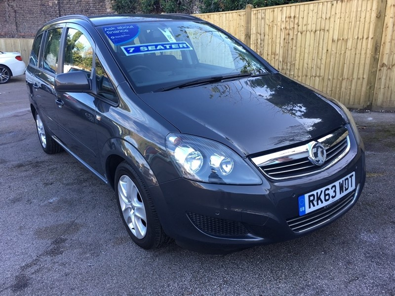 used Vauxhall Zafira i VVT 16v Exclusiv 5dr in rochester-kent