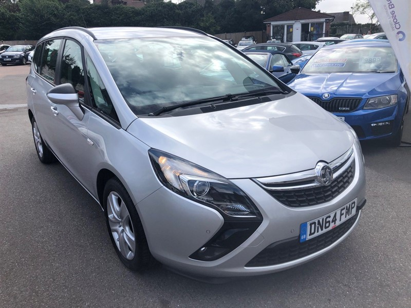 used Vauxhall Zafira Tourer 16v Exclusiv in rochester-kent