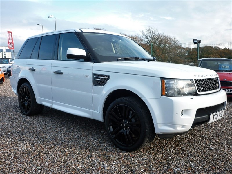 used Land Rover Range Rover Sport 3.0 TDV6 HSE - Command shift - 2 Keys - Stunning in White in plymouth-devon