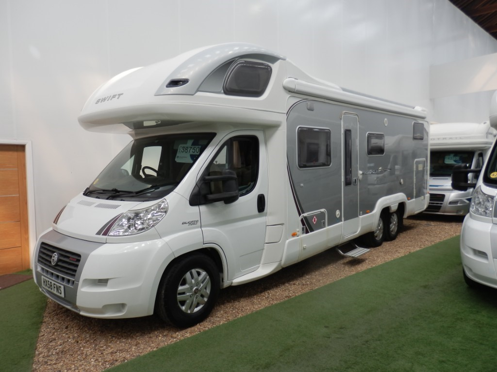 used Swift Kon-Tiki SWIFT KONTIKI 679 TAG AXLE in lancashire
