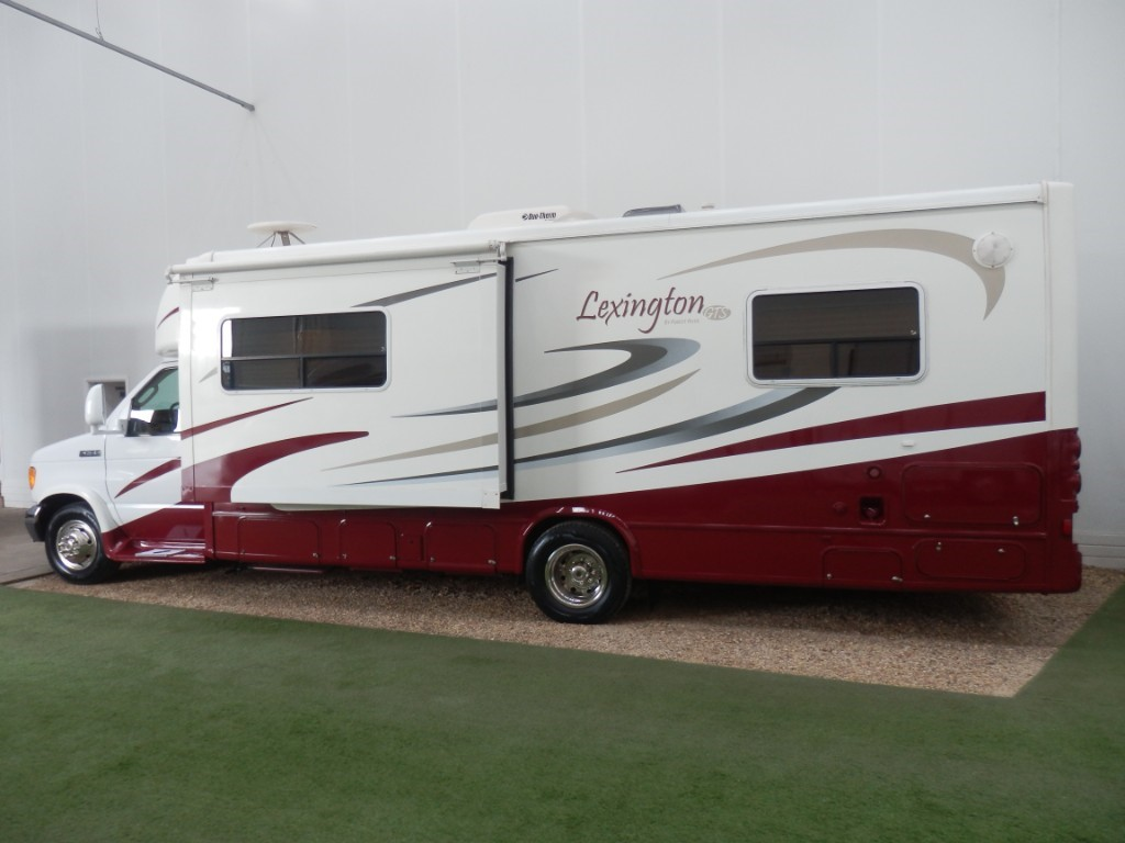 used Ford  Lexington Forest River GTS in lancashire