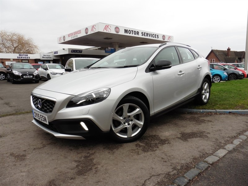 used Volvo V40 D2 CROSS COUNTRY LUX in chepstow-wyvern