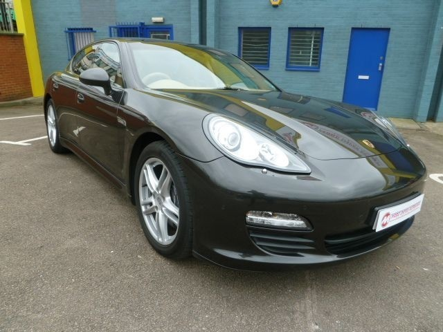 used Porsche Panamera V6 PDK 5dr in northamptonshire