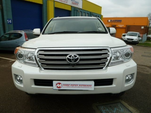used Toyota Land Cruiser V8 D-4D 7-SEATS in northamptonshire