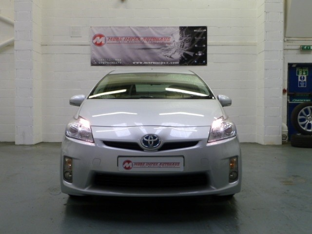 used Toyota Prius T4 VVT-I 5dr in northamptonshire