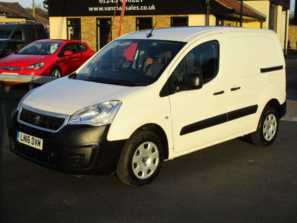 used Peugeot Partner HDI PROFESSIONAL 850 Diesel Van * Only 13,000 Miles * in Chelmsford