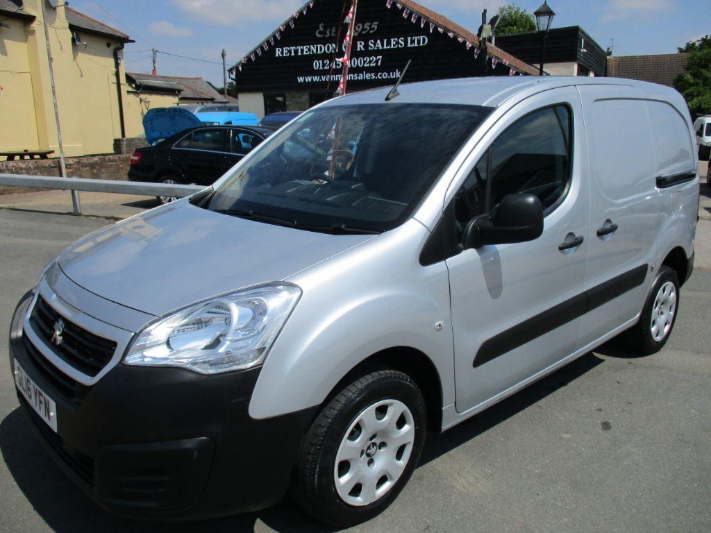 used Peugeot Partner HDI PROFESSIONAL 850 Diesel Van * Only 33,000 Miles * in Chelmsford