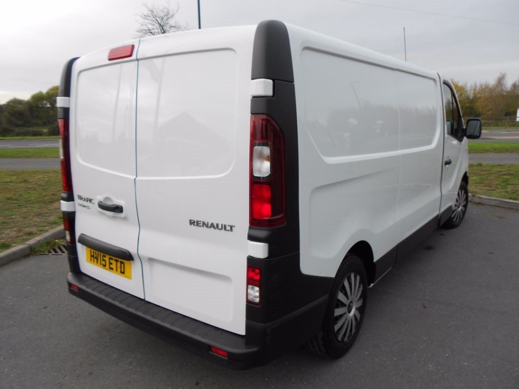 used white renault trafic for sale essex. Black Bedroom Furniture Sets. Home Design Ideas