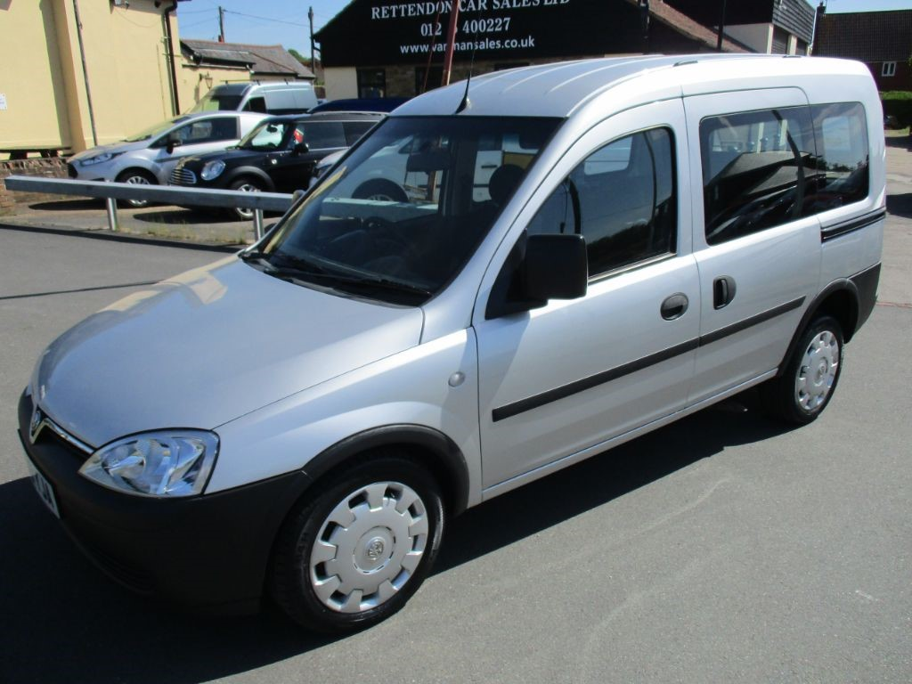 used Vauxhall Combo TOUR ESSENTIA CDTI Diesel Wheelchair Accessible Vehicle WAV 17K Miles in Chelmsford