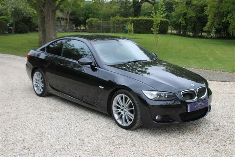 used BMW 330i M SPORT in surrey