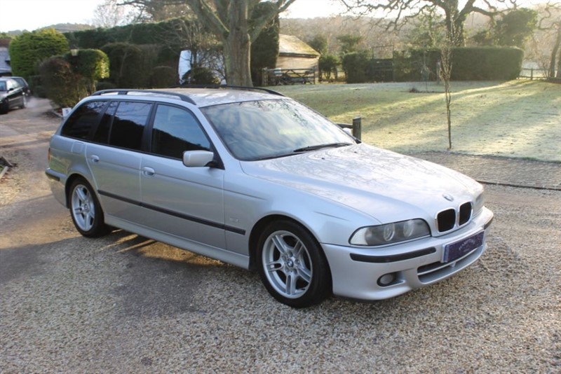 used BMW 525i SPORT TOURING in surrey