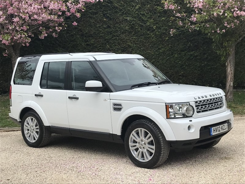 used Land Rover Discovery SDV6 XS in surrey