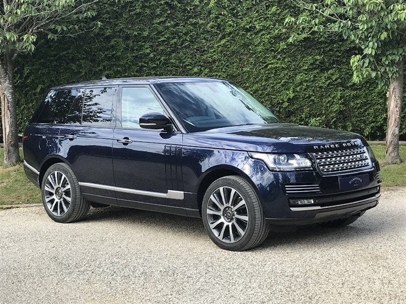 used Land Rover Range Rover V8 AUTOBIOGRAPHY in surrey