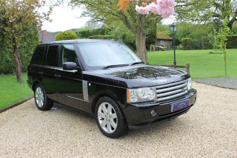 used Land Rover Range Rover V8 VOGUE SE in surrey