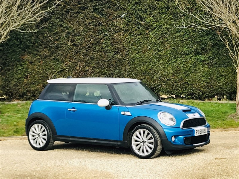 used MINI  COOPER S in surrey