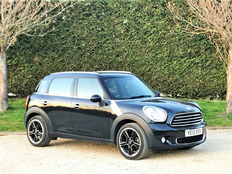 used MINI  COOPER D in surrey