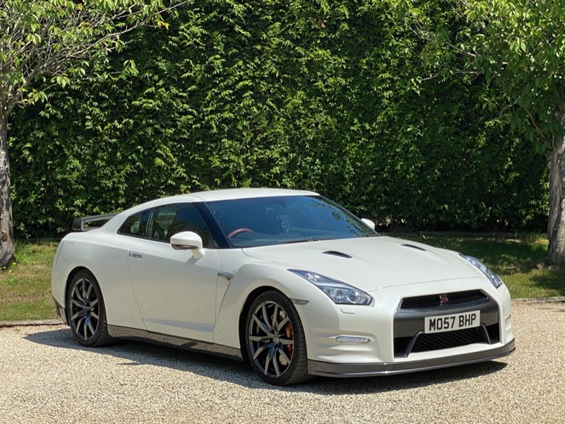 used Nissan GT-R V6 in surrey