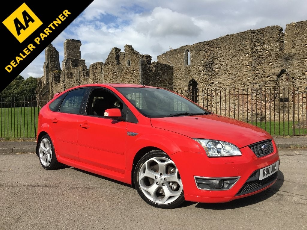 used Ford Focus SIV ST-3 Hatchback 5dr Manual (224 g/km, 221 bhp) in swansea-south-wales