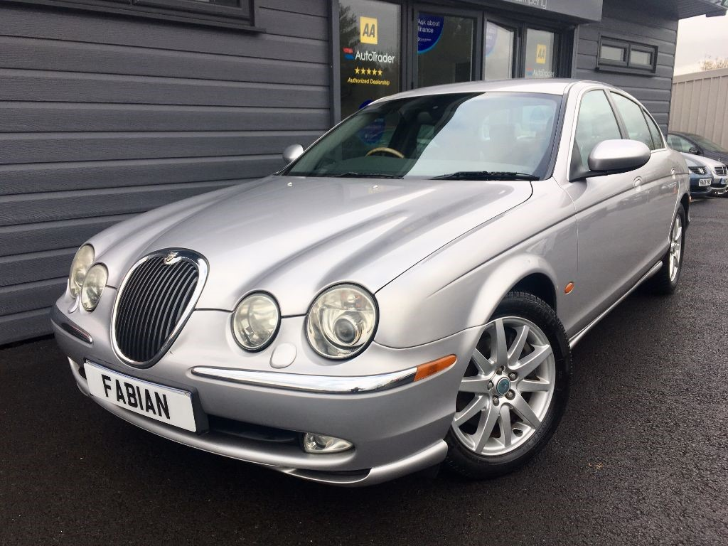 used Jaguar S-Type V8 SE in swansea-south-wales