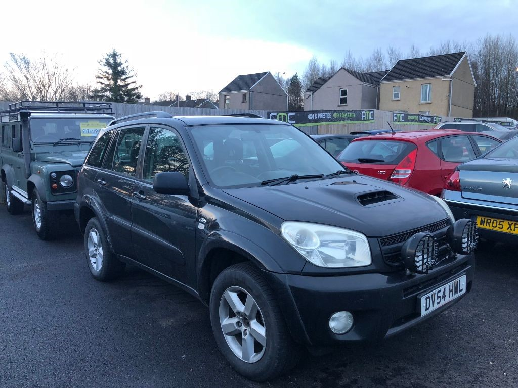 used Toyota RAV4 2.0 D-4D XT3 3dr in swansea-south-wales