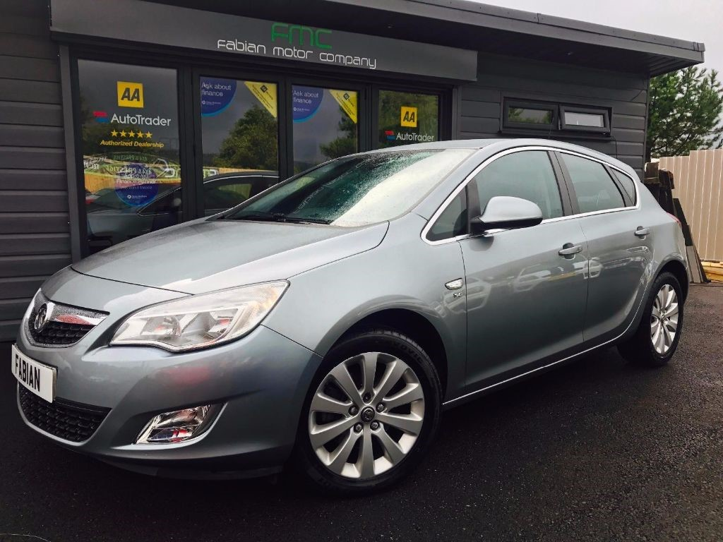 used Vauxhall Astra SE CDTI in swansea-south-wales