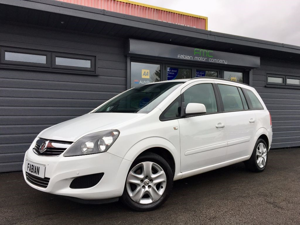 used Vauxhall Zafira EXCLUSIV in swansea-south-wales