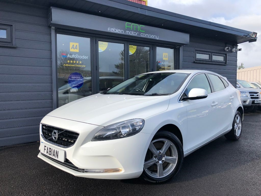 used Volvo V40 D4 SE in swansea-south-wales