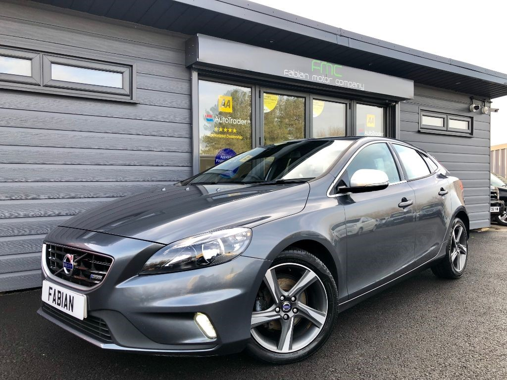 used Volvo V40 D2 R-DESIGN in swansea-south-wales