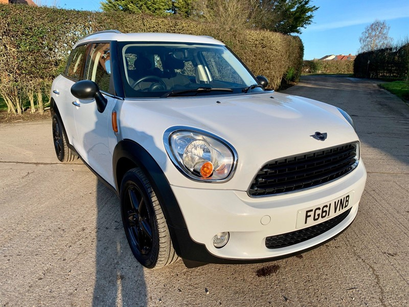 used MINI Countryman One in epping-essex