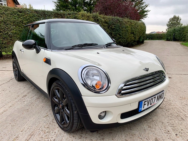 used MINI Hatch Cooper 3dr in epping-essex