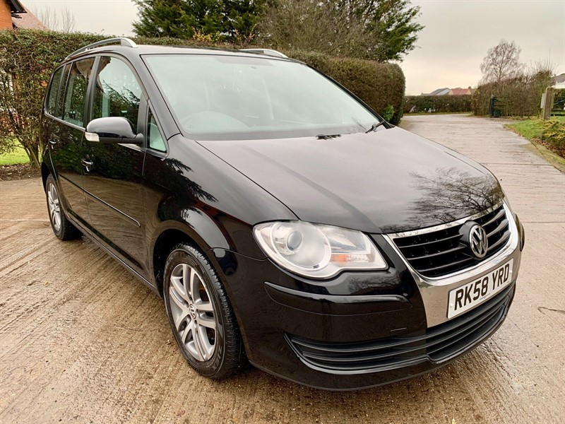 used VW Touran TDI SE 5dr (7 Seats) in epping-essex