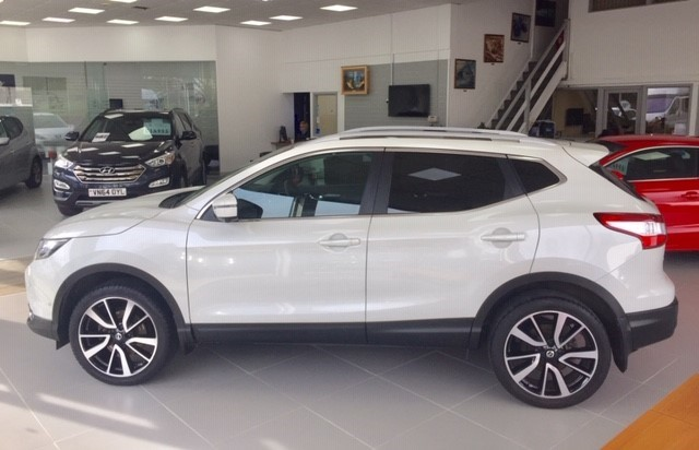 used Nissan Qashqai DCI TEKNA in llanelli-south-wales